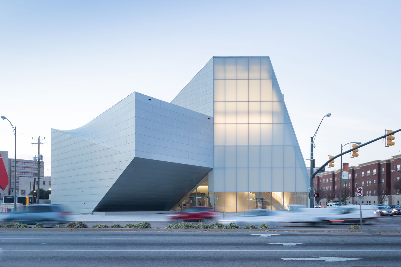 View of the Institute for Contemporary Art at VCU Belvidere Street entrance at dusk. (Iwan Baan)