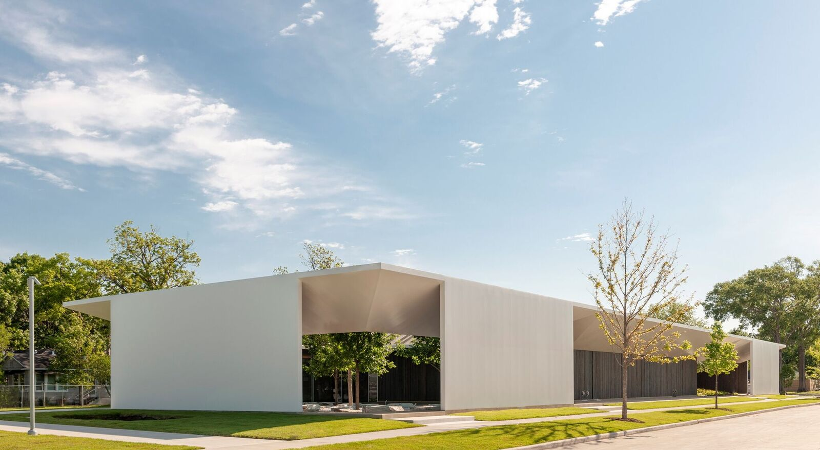 Exterior of the Menil Drawing Institute. (Paul Hester)
