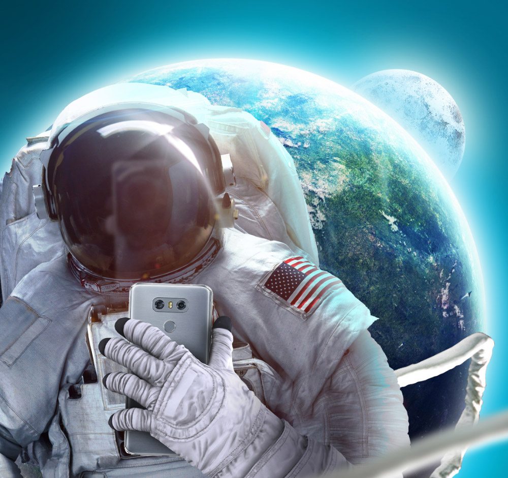 An astronaut taking an out-of-this-world selfie. (Courtesy the Museum of Selfies)