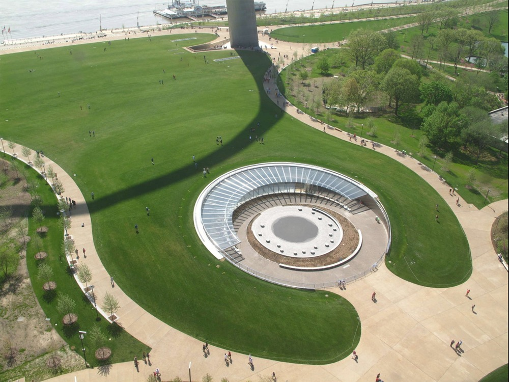 Aerial view of the West Entry of the Museum at the Gateway Arch. (Earthcam/Gateway Arch Park Foundation)