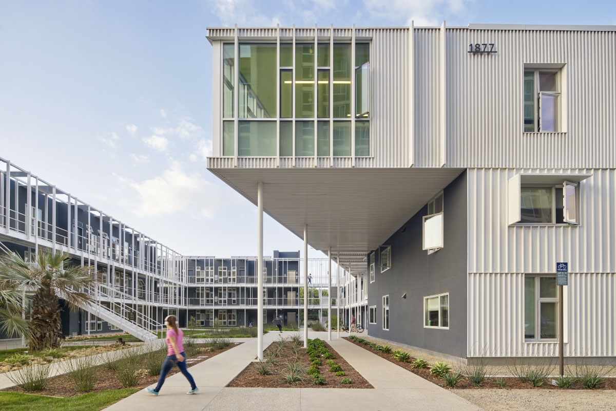 LOHA, SOM, and Kevin Daly Architects collaborate on new student housing at UCSB (Bruce Damonte)
