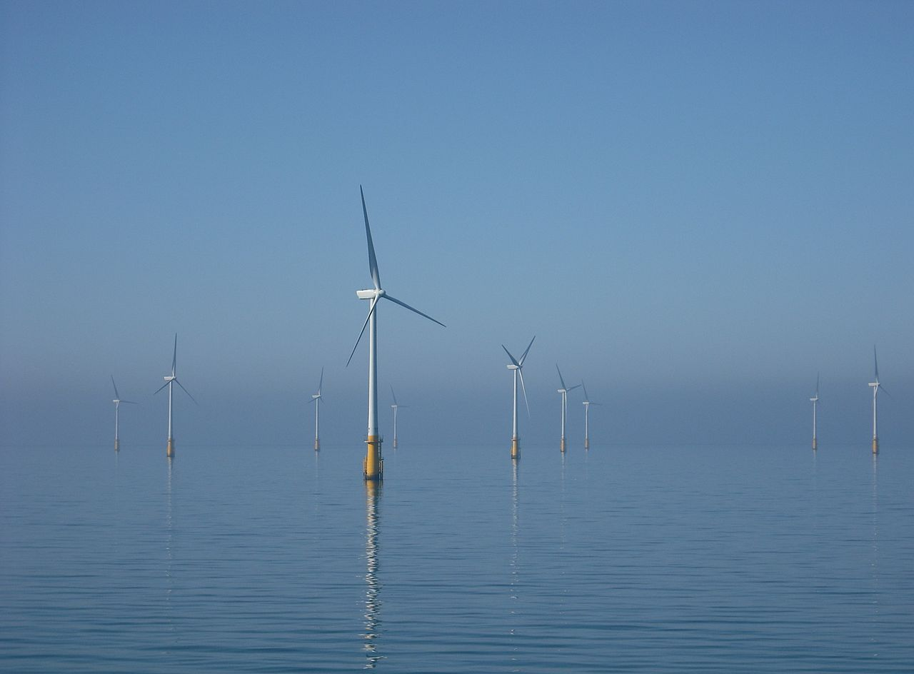 Photo of barrow wind farm off the coast of Britain