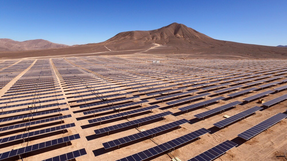 Photo of a solar array in Chile that is similar to the one being built in Mexico.