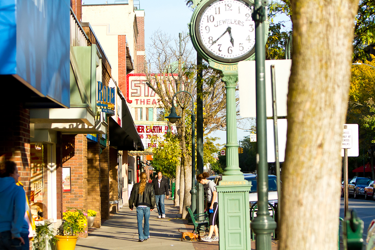 Photo of a street in Traverse City, Michigan