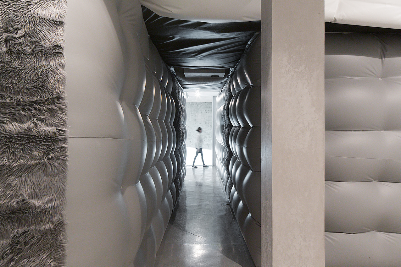 Alex Schweder's Wall To Wall Floor To Ceiling was installed at the Tel Aviv Museum of Art (Faux fur, vinyl, electronics, blown air, soundtrack, 2014)