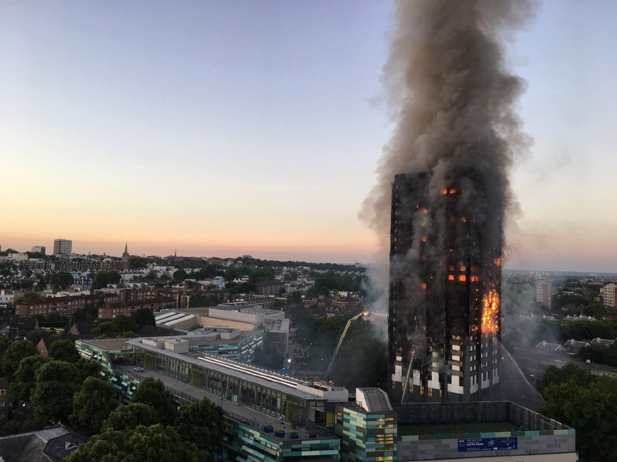 Photo of Grenfell tower on fire in 2017