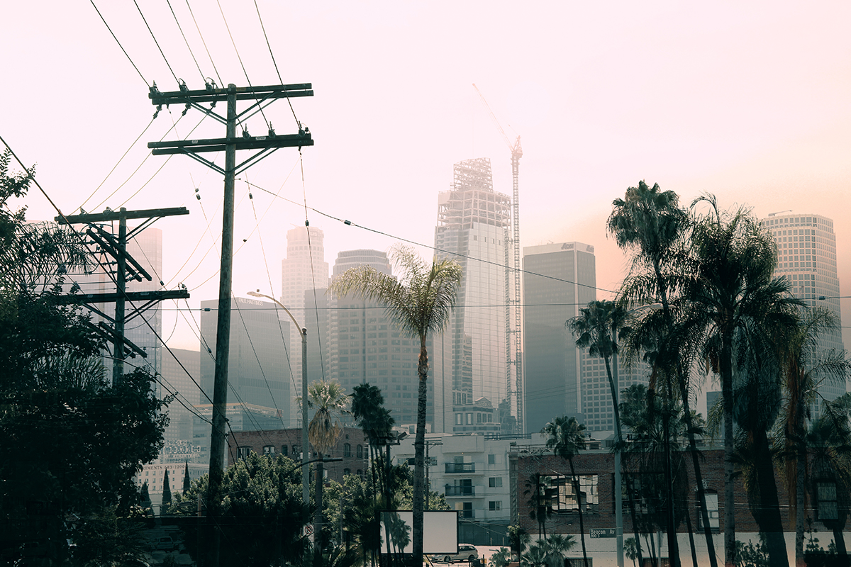 Photo of construction in Los Angeles with heavy smog