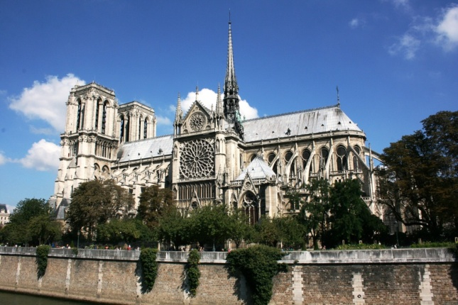 Photo of Notre Dame during the day, side angle