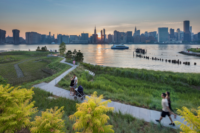 Photo of Hunter's Point South Waterfront Park by WEISS/MANFREDI