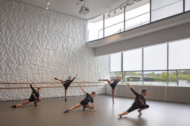 View of the crinkled concrete walls in the ballet studio of The Reach