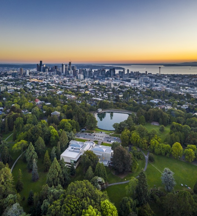 Aerial photo of a park with the Seattle Asian Art Museum inside