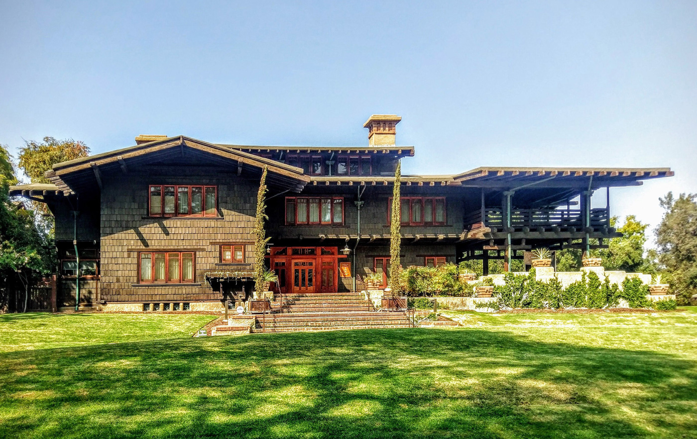 Photo of a Craftsman style home, the Gamble House