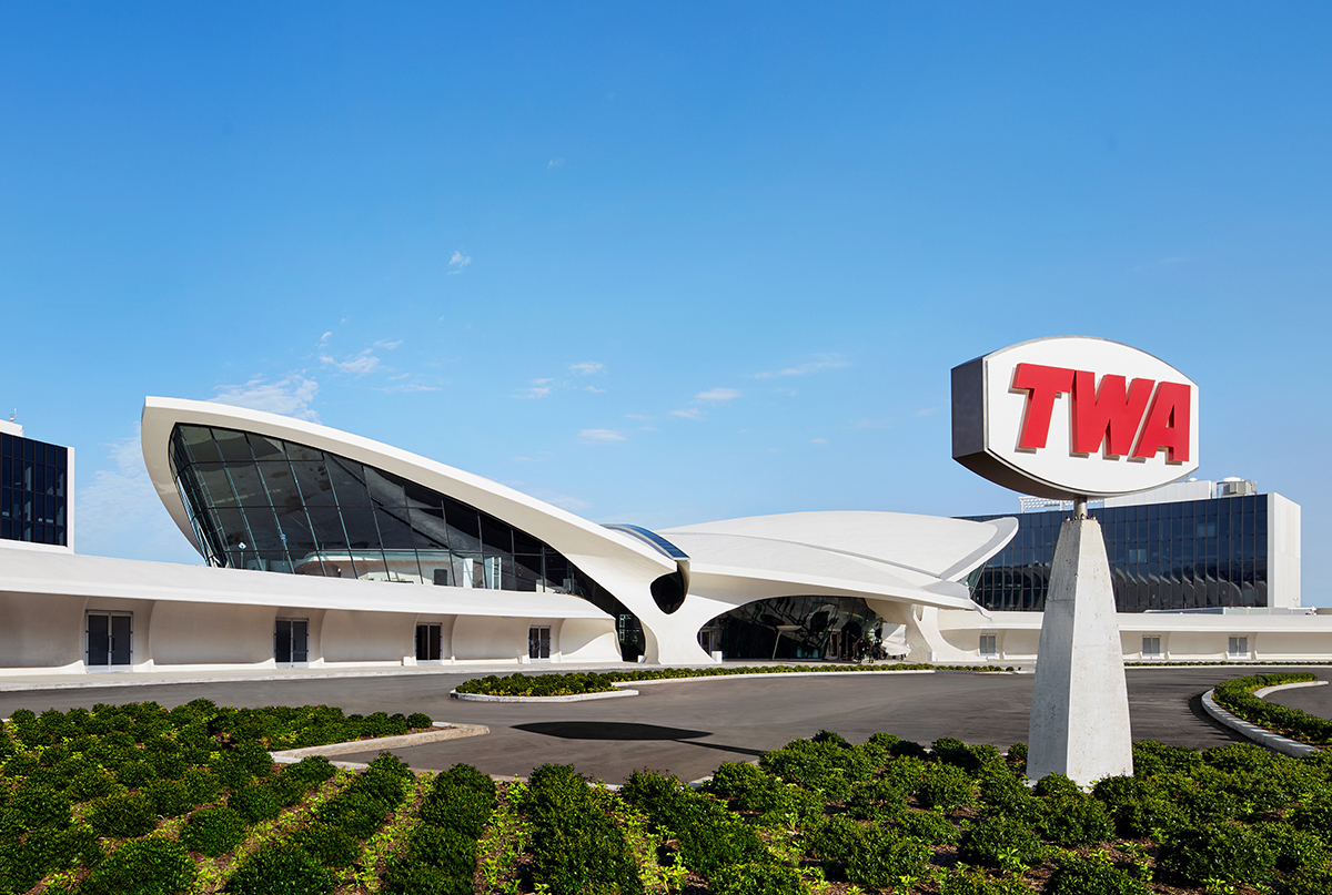 Image of exterior of Eero Saarinen's TWA Terminal structure, now converted into the TWA Hotel