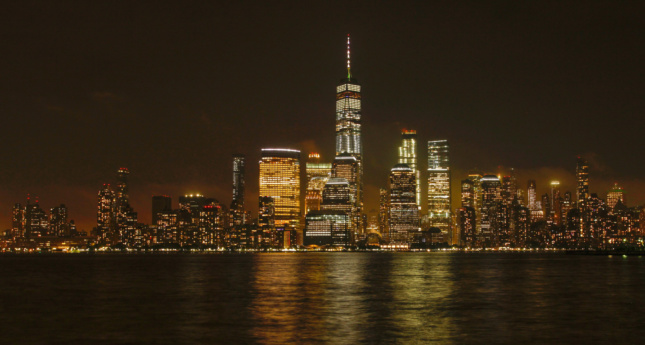 Looking at the Manhattan skyline from across the Hudson River
