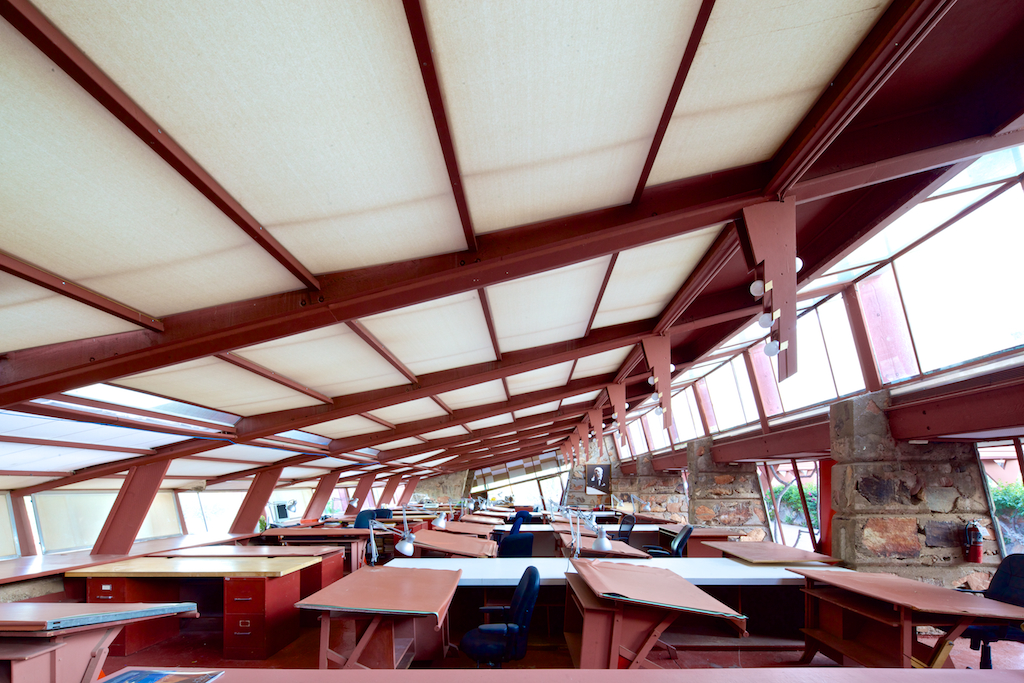 Image of empty drawing room at Taliesin