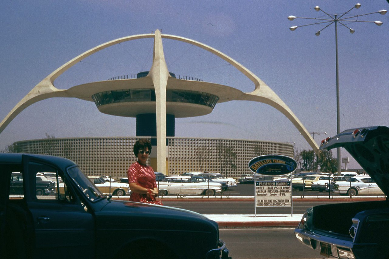 Theme Building at LAX, a central plate held up by concrete piers