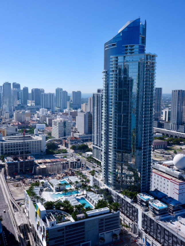 Aerial image of the Miami Worldcenter and its one completed tower