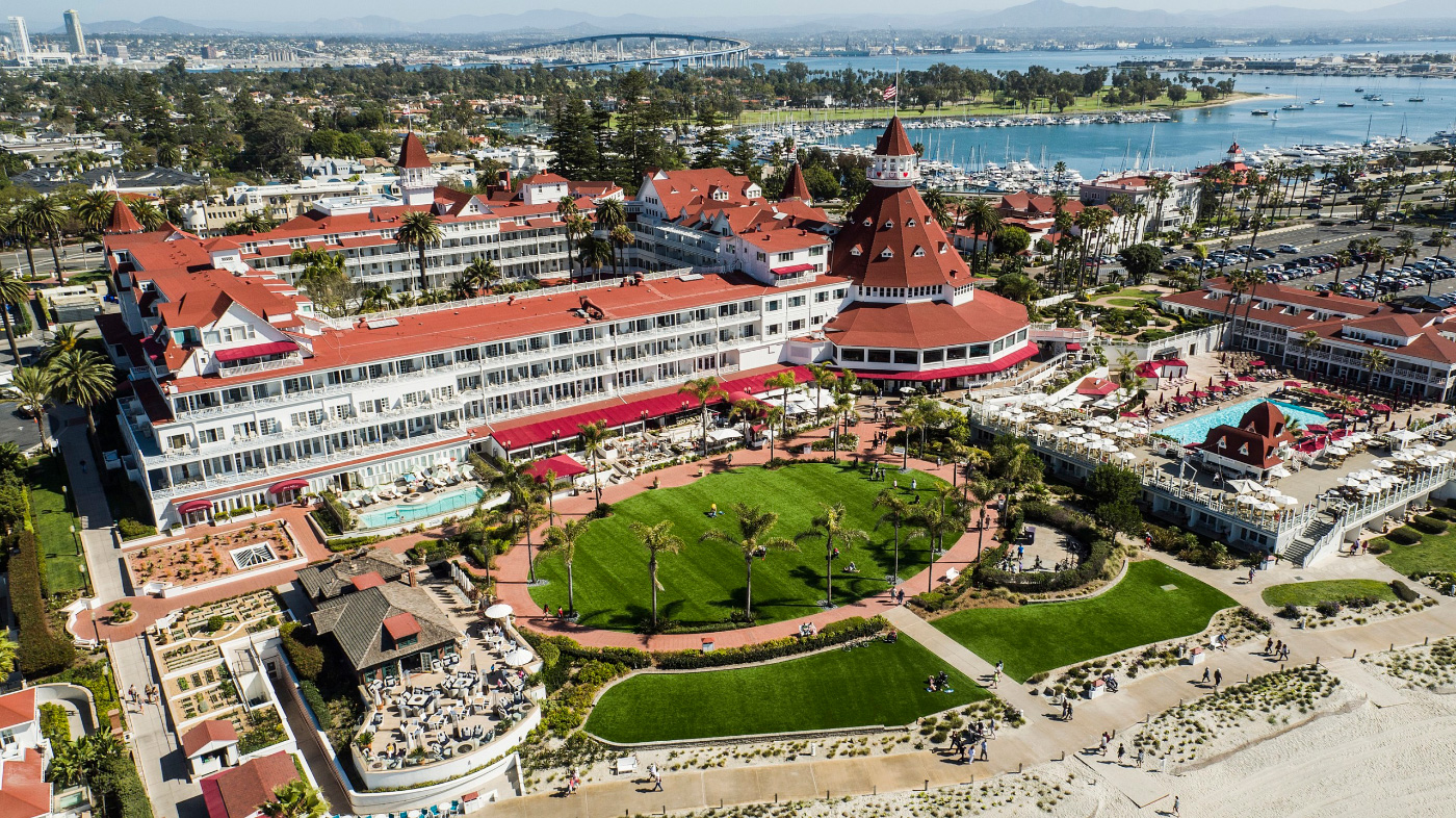 Aerial photo of a circular hotel and lodge in San Diego