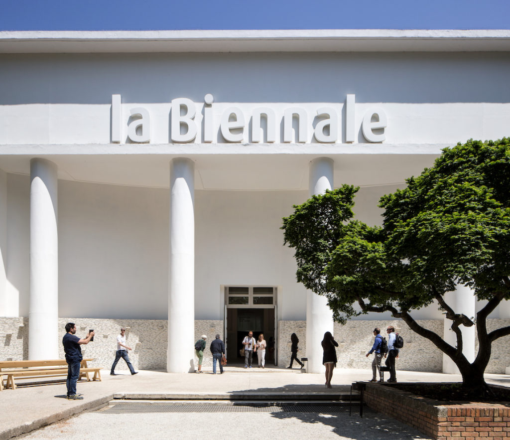 A white building with La Biennale on top