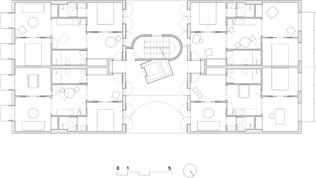 Floor plan of a long apartment block