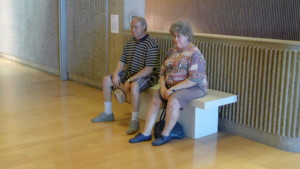 old couple on bench, a lifelike sculpture by duane hanson, which could be affected by museum closures