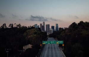 an empty LA freeway during the COVID-19 pandemic, which Project Héroe will attempt to head off