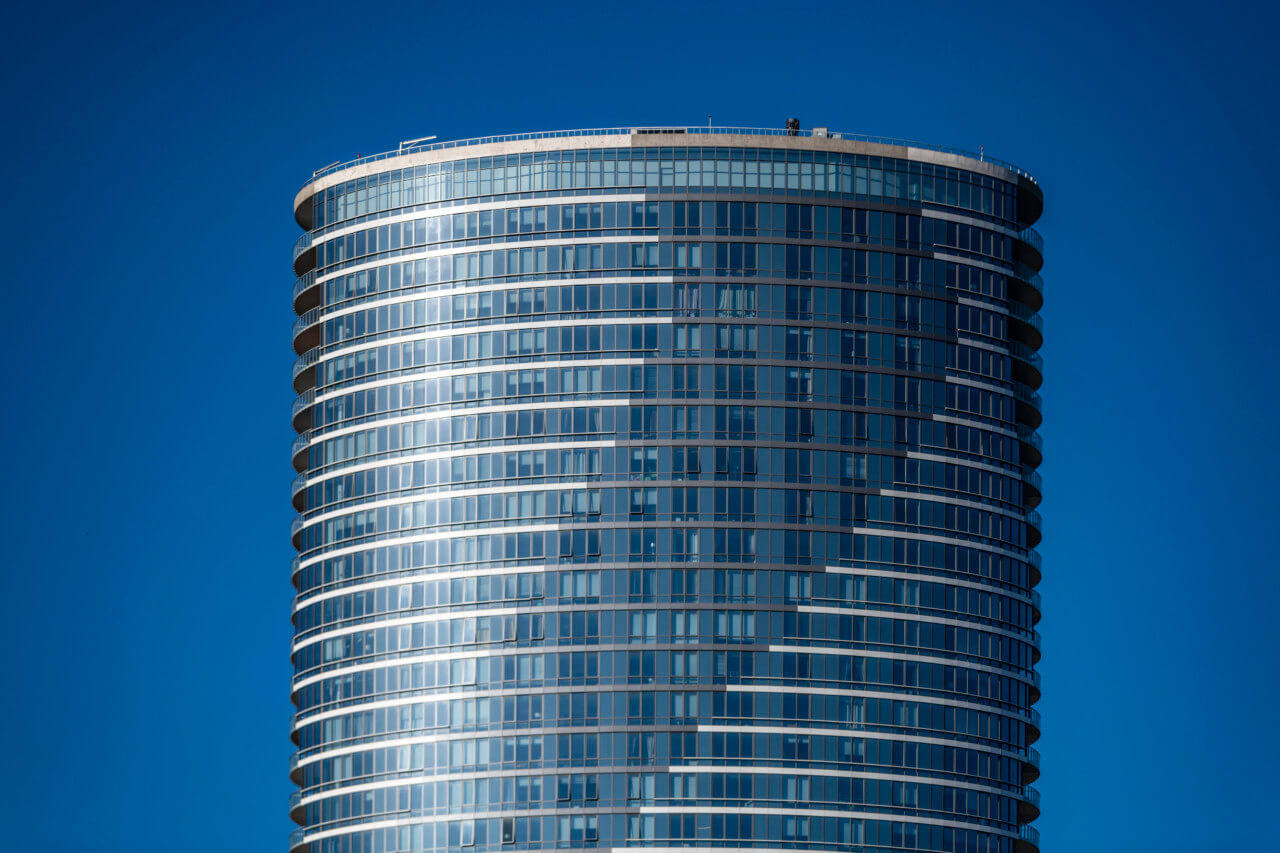 Image of the Ellipse apartment building by Arquitectonica