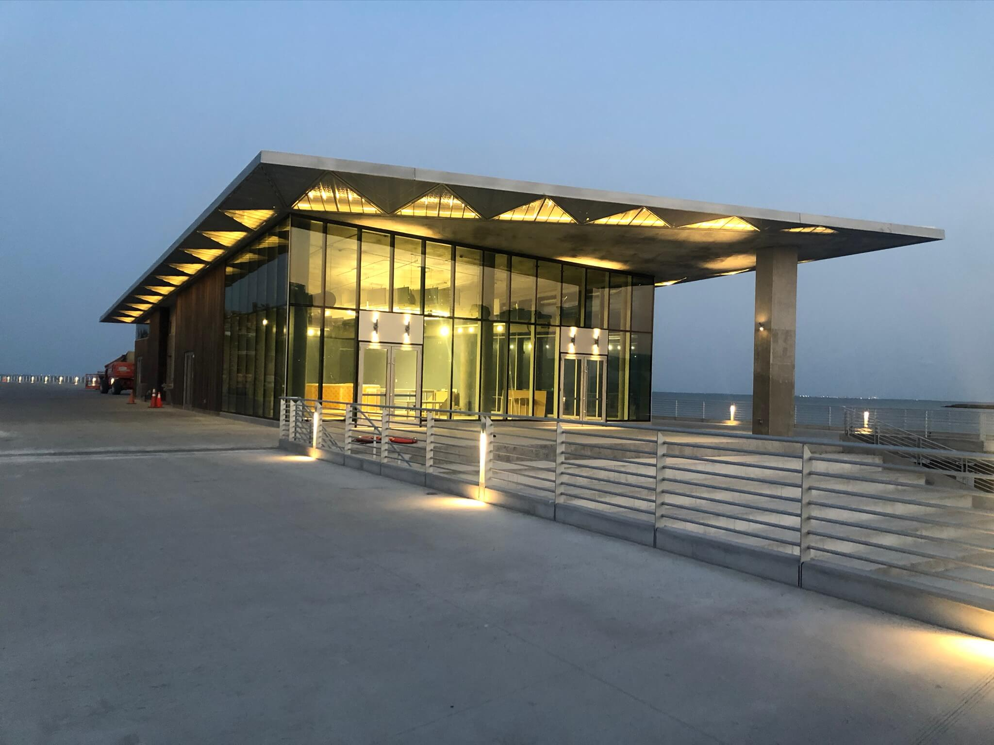 Image of the St. Pete Pier pier head in Florida