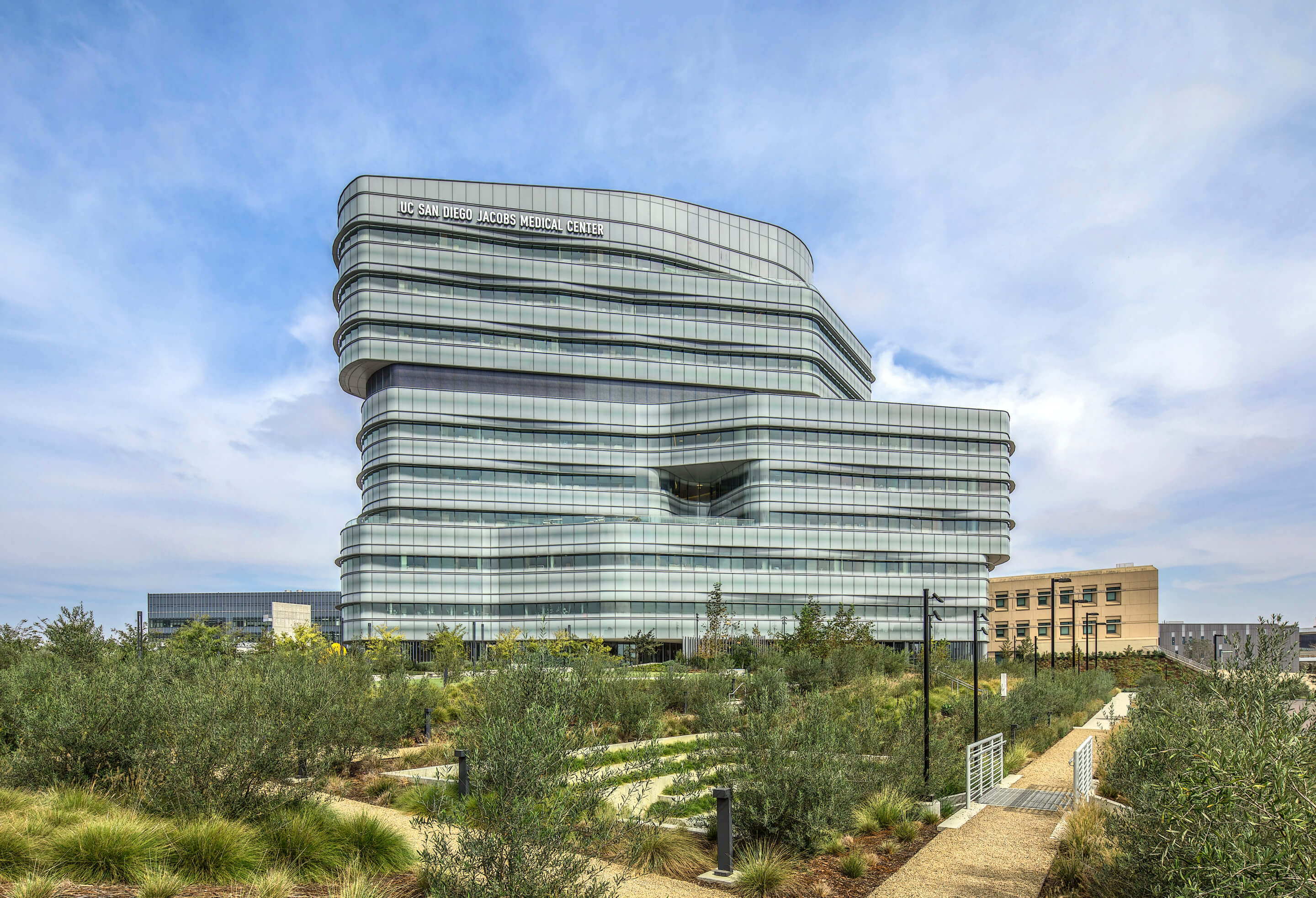 Image of the Jacobs Medical Center in San Diego and its glass skin