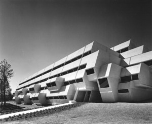 B&W photo of modernist paul rudolph building in north carolina, the Burroughs Wellcome Company headquarter