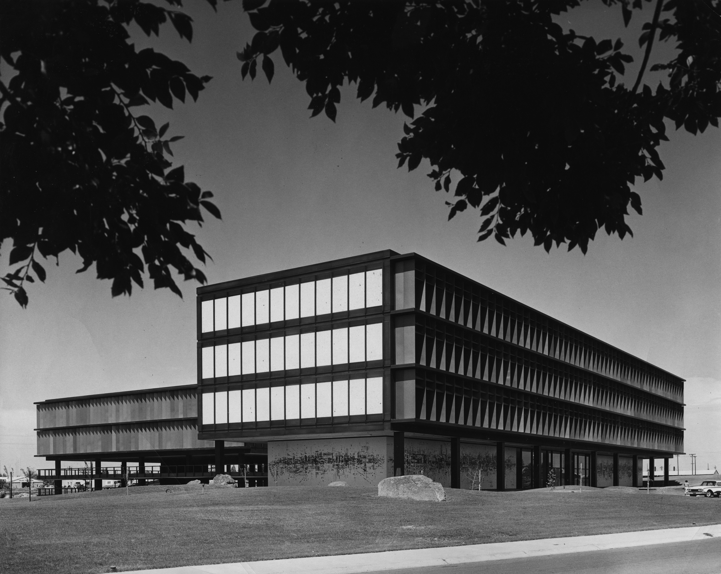 vintage photo of SMUD headquarters